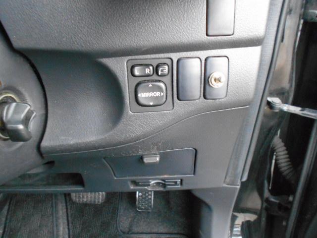Z Qバージョン ローダウン 社外17インチAW 純正HDDナビ スマートキー11スピーカー フロント休息モード付シート(28枚目)