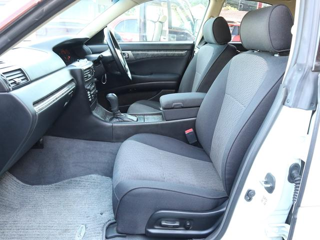 300アルティマ-Z グランツーリスモ 6速CVTターボ フロント両席パワーシート CDオーディオ キセノン 純正17アルミ 後期型(10枚目)