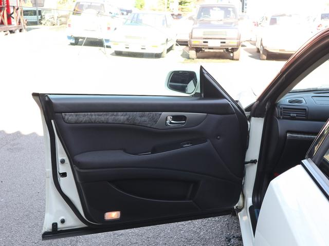 300アルティマ-Z グランツーリスモ 6速CVTターボ フロント両席パワーシート CDオーディオ キセノン 純正17アルミ 後期型(41枚目)