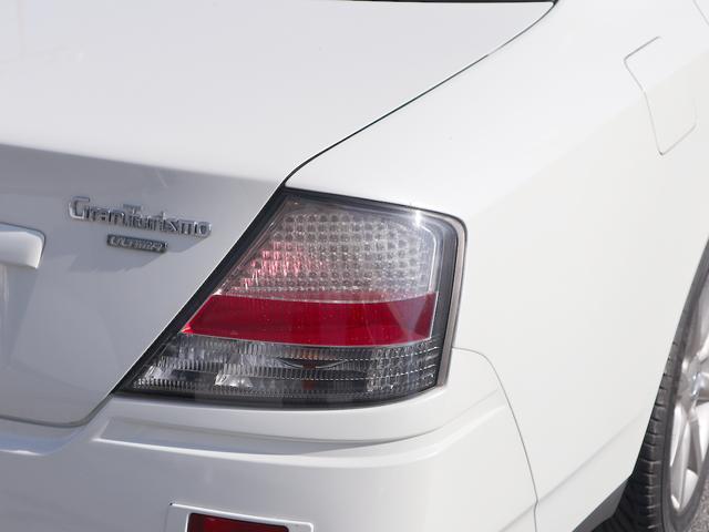 300アルティマ-Z グランツーリスモ 6速CVTターボ フロント両席パワーシート CDオーディオ キセノン 純正17アルミ 後期型(53枚目)
