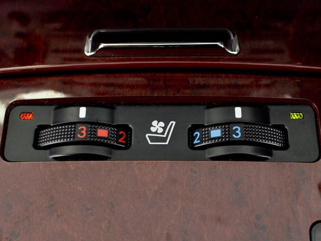 レクサス IS 350 VerL サンルーフ 黒革エアシート HDDマルチ