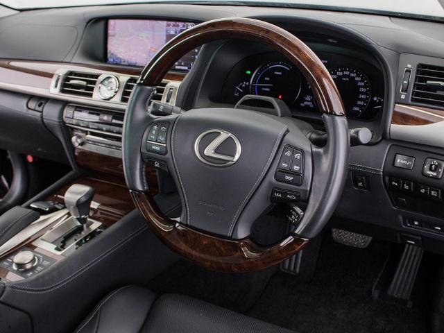 LS600hL エグゼクティブパッケージサンルーフ新品タイヤ(10枚目)