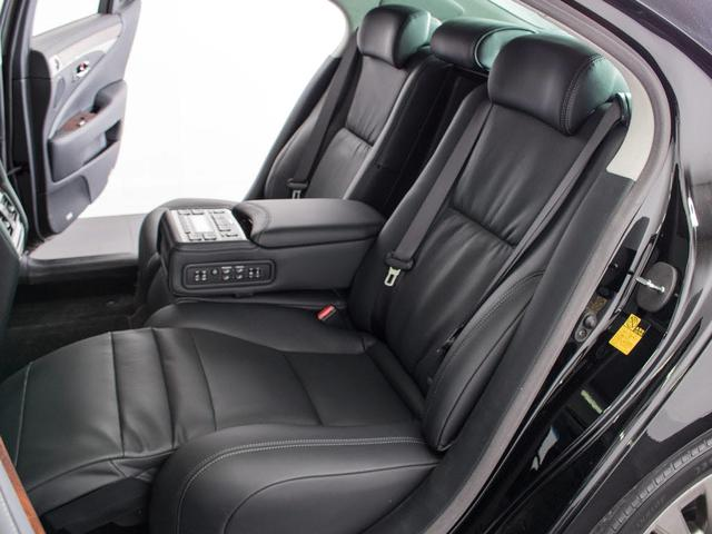 LS600hL エグゼクティブパッケージサンルーフ新品タイヤ(14枚目)