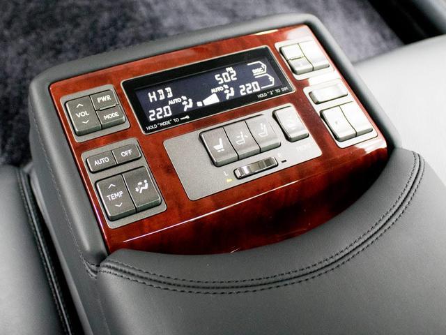 LS600hL サンルーフ 本革 リアモニター Mレビ(19枚目)