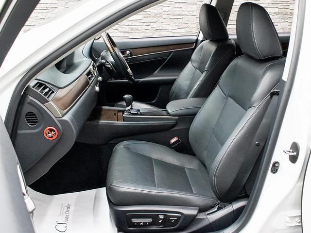 GS350 Iパッケージ 禁煙 黒本革 スピンドルエアロ 車高調 エアシート シートヒーター パワーシート クリアランスソナー LEDライト 18インチAW レーダークルーズ プリクラッシュHDDナビ フルセグ バックカメラ(17枚目)