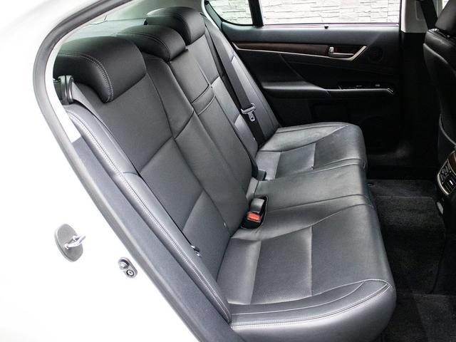 GS350 Iパッケージ 禁煙 黒本革 スピンドルエアロ 車高調 エアシート シートヒーター パワーシート クリアランスソナー LEDライト 18インチAW レーダークルーズ プリクラッシュHDDナビ フルセグ バックカメラ(18枚目)