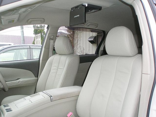 状態の良い、運転席&助手席です。