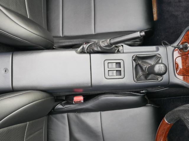 ベースグレード 最終3.1型 K6A タイミングチェーン ツインカムターボ 5速MT スズキスポーツマフラー GReddyブースト計 momoコンビハン ウッド調パネル ゴリラポータブルナビ 革調シートカバー ETC(70枚目)