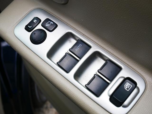 PZターボ 1年保証付 後期型 左側パワースライドドア 純正エアロ 13インチアルミ フォグ タイミングチェーン プライバシーガラス サイドバイザー 社外CD ETC ABS Wエアバッグ(77枚目)