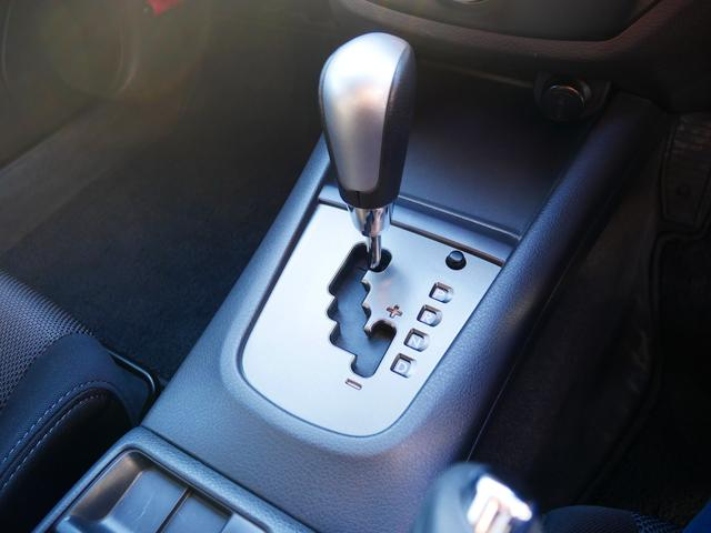 S-GT スポーツパッケージ 1年保証付 STiリップスポイラー プッシュスタート スマートキー クルーズコントロール 電動格納ウィンカーミラー MTモード付AT HIDライト フォグ 純正17インチアルミ サイドバイザー(16枚目)
