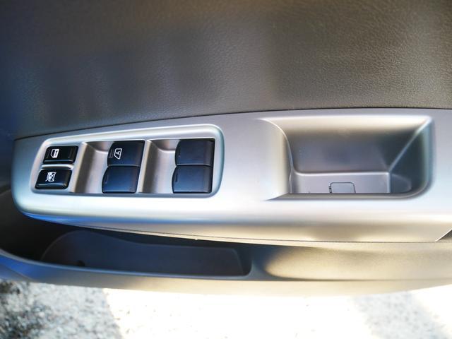 S-GT スポーツパッケージ 1年保証付 STiリップスポイラー プッシュスタート スマートキー クルーズコントロール 電動格納ウィンカーミラー MTモード付AT HIDライト フォグ 純正17インチアルミ サイドバイザー(71枚目)