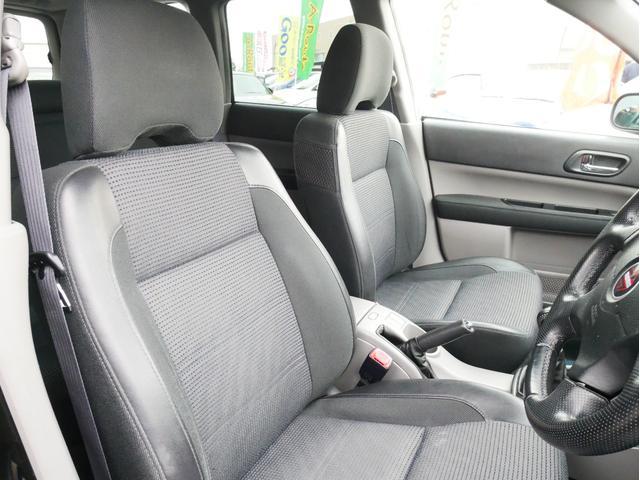 XT 1年保証付 5速MT サンルーフ EJ20ターボ 4WD ハーフレザーシート MOMOステ オートエアコン 純正16AW ルーフスポイラー 電動格納ミラー キーレス HID(16枚目)