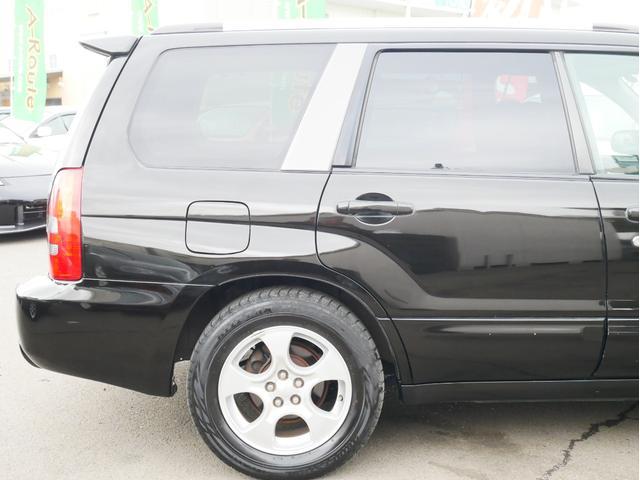 XT 1年保証付 5速MT サンルーフ EJ20ターボ 4WD ハーフレザーシート MOMOステ オートエアコン 純正16AW ルーフスポイラー 電動格納ミラー キーレス HID(27枚目)