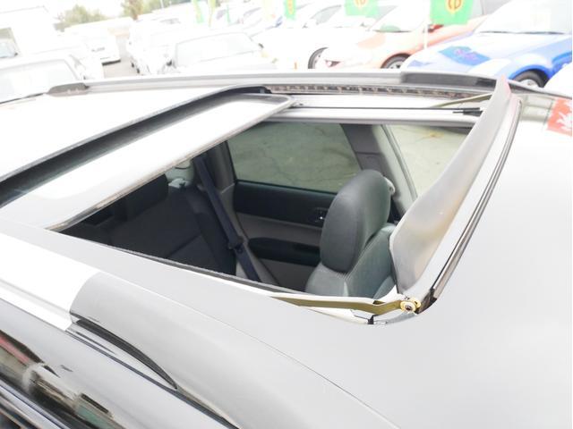 XT 1年保証付 5速MT サンルーフ EJ20ターボ 4WD ハーフレザーシート MOMOステ オートエアコン 純正16AW ルーフスポイラー 電動格納ミラー キーレス HID(55枚目)