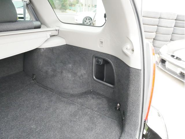 XT 1年保証付 5速MT サンルーフ EJ20ターボ 4WD ハーフレザーシート MOMOステ オートエアコン 純正16AW ルーフスポイラー 電動格納ミラー キーレス HID(60枚目)
