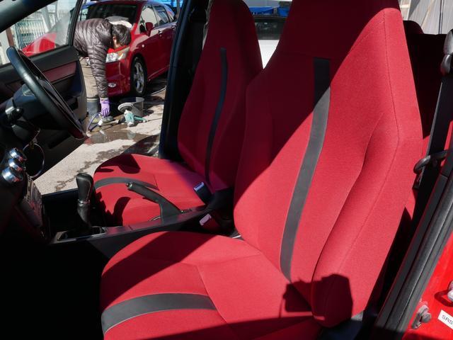 レッドスペシャル 1年保証付 6速MT 2ZZ-GE 純正エアロ 16インチアルミ 専用シート キーレス ETC ABS Wエアバッグ フォグ プライバシーガラス サイドバイザー AAC アルミペダル(70枚目)