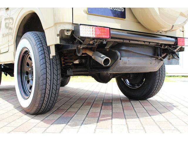 ランドベンチャー 4WD ターボ レトロスタイル サンドベージュ色替車 DAYTONAブラックスチールホイール ホワイトリボンラジアルタイヤ 純正ルーフラック NARDIステアリング レトロ調シートカバー 社外ステレオ(69枚目)