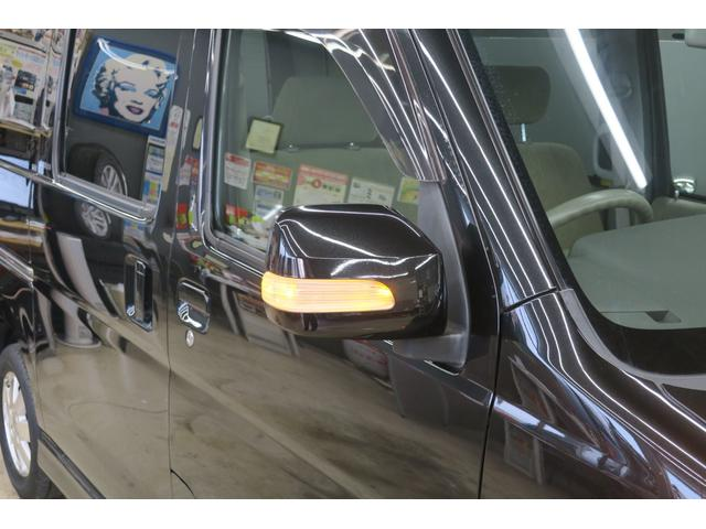 全車が内外装クリーニング済み!!気になる所があったらドンドン言って下さい。ルームランプのLED交換も承っております。オーディオやナビ、ETCの取付もご相談下さい。