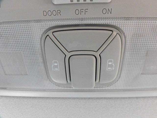 トヨタ エスティマ アエラス純正ナビBモニ両側自動Dスマートキーオットマンシート