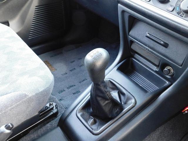 ZR 3ドアショートボディ 4WD 5速MT(17枚目)