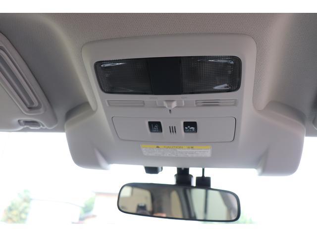 アイサイトは2つのステレオカメラが常に前を監視し、必要に応じてドライバ-の運転操作をアシスト。危険を予測することで衝突被害軽減、または事故を起さないための多彩な機能を持ちます。