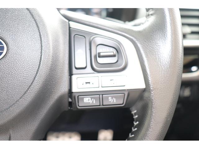 ステアリングスイッチ右側です。追従クルコン設定、SIドライブのセレクト操作をハンドルから手を離さずにできます。