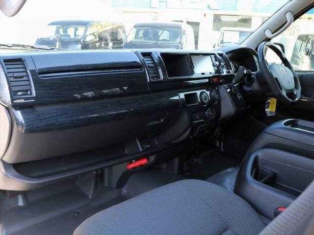 トヨタ ハイエースバン 2.8DX4WD スーパーロングGLパッケージTSS付