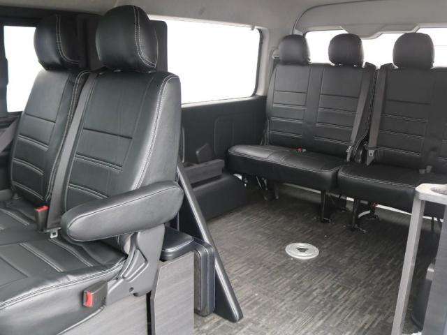 GL ベット&テーブル車中泊仕様/Ver1.5 オフロードパッケージ フルセグナビ/サブモニター フリップダウンモニター/ルーフスピーカー ナイトロパワー16インチAW TOYOオープンカントリータイヤ(4枚目)