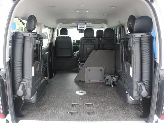 GL ベット&テーブル車中泊仕様/Ver1.5 オフロードパッケージ フルセグナビ/サブモニター フリップダウンモニター/ルーフスピーカー ナイトロパワー16インチAW TOYOオープンカントリータイヤ(5枚目)