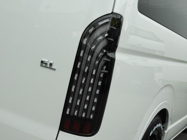 GL 新車/ナビパッケージ 10人乗り パノラミックビューモニター オートスライドドア フルセグナビ/フリップダウンモニター/ETC FLEXフロントリップ/オーバーフェンダー 38mmダウン(17枚目)
