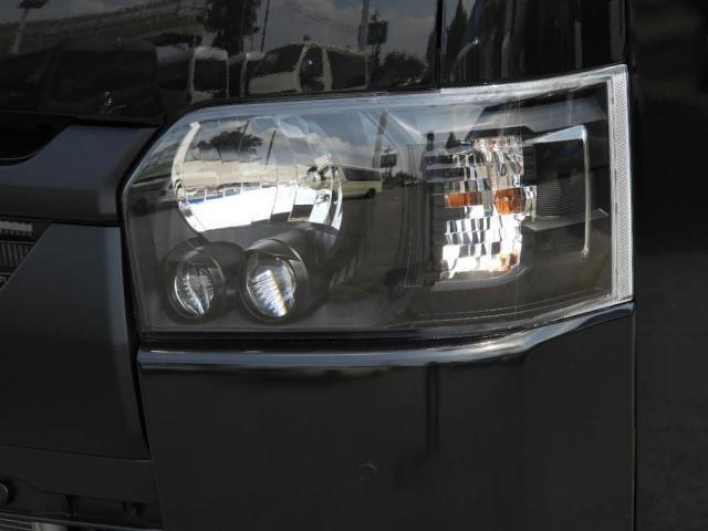 スーパーGL ダークプライムII 新車/2800クリーンディーゼル ベットキット 両側自動ドア ブラックエディション インナーブラックライト マッドブラックカスタム パナソニックフルセグナビ/ETC 新作カーボン調オーバーフェンダー(4枚目)