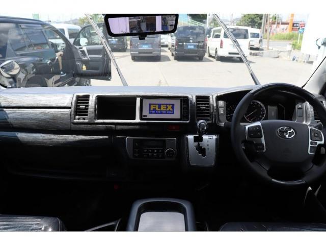 GL 新車ワゴンGL フルセグナビ/フリップダウンモニター パノラミックビューモニター プッシュスタート/スマートキー 黒木目インテリアキット ファミリーパッケージ(3枚目)