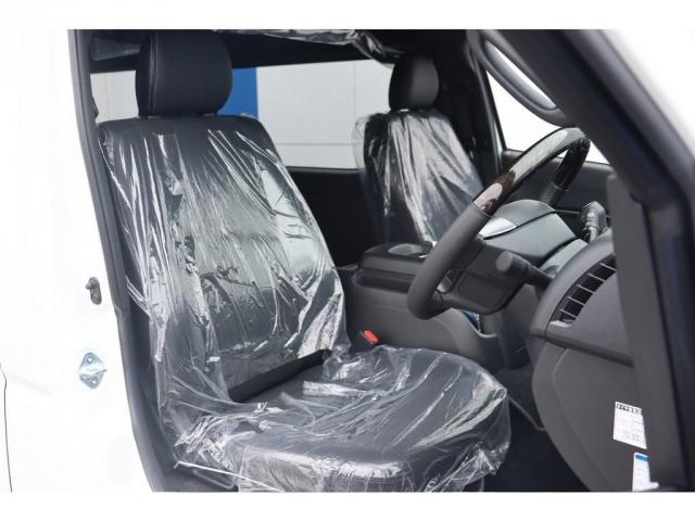 スーパーGL ダークプライムIIワイド ロングボディ 新車/ナビパッケージ 両側自動ドア 2800クリーンディーゼル パノラミックビューモニター インテリジェントクリアランスソナー トヨタセーフティー デジタルインナーミラー(9枚目)