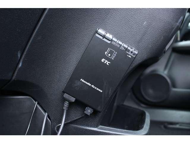 X特別仕様車 HDDナビエディション 7人乗 ワンオーナー  純ナビ Bカメ ETC HIDヘッド キーレス ナビ HDDナビ ETC リアカメラ 1オーナー AAC CD(7枚目)