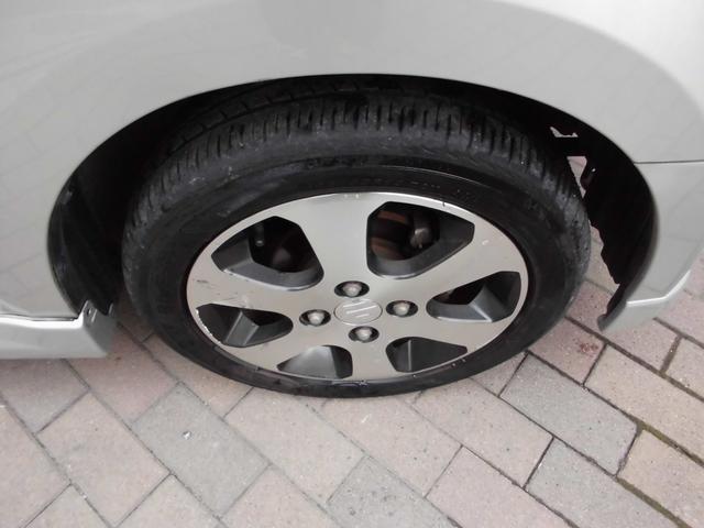 タイヤの山はまだあります!!逆側2本のホイールはキズが御座いますので現車確認下さい!!