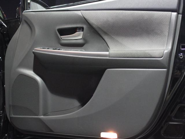 「トヨタ」「プリウスα」「ミニバン・ワンボックス」「大阪府」の中古車49