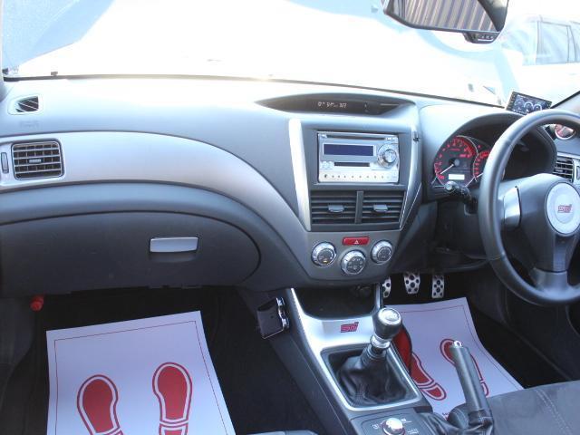 WRX STI アプライドA型 カロッツエリアオーディオ SUBARUブースト計 6MT SI-DRIVE 純正18アルミ 純正STiシート プッシュスタート スマートキー HID ETC(10枚目)
