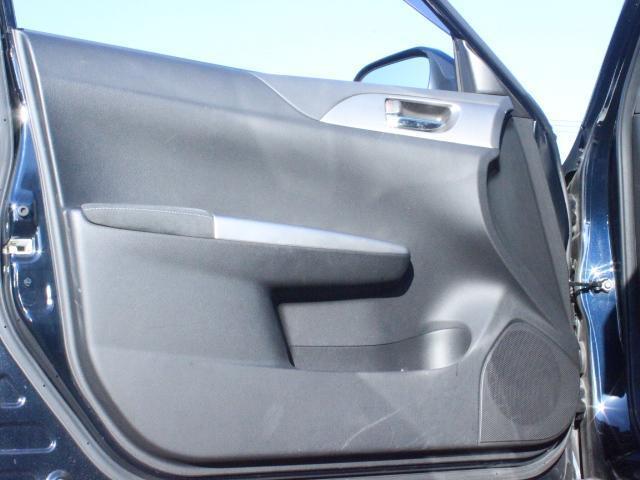 WRX STI アプライドA型 カロッツエリアオーディオ SUBARUブースト計 6MT SI-DRIVE 純正18アルミ 純正STiシート プッシュスタート スマートキー HID ETC(12枚目)