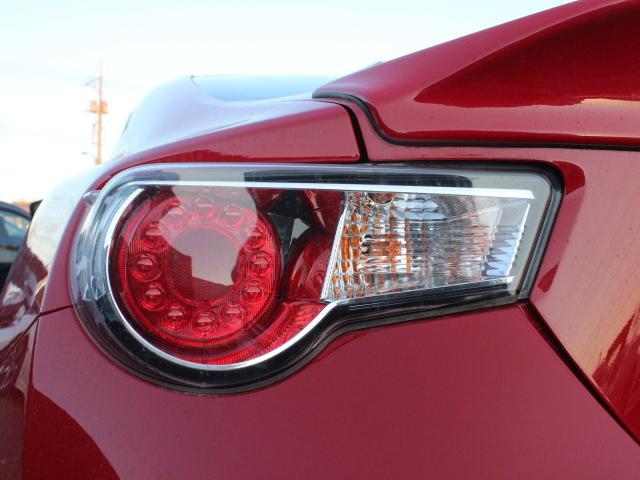 GT アプライドA型 TRDフルエアロ TRD車高調 TRDトランクスポイラー 純正17アルミ プッシュスタート オートライト オートエアコン スマートキー 純正SDナビ ワンセグ 6MT(27枚目)