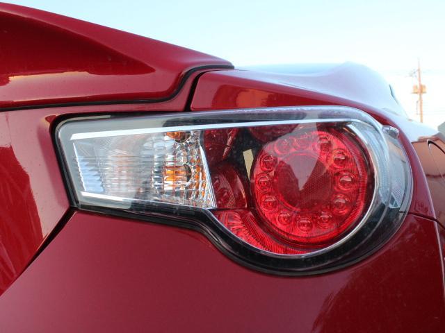 GT アプライドA型 TRDフルエアロ TRD車高調 TRDトランクスポイラー 純正17アルミ プッシュスタート オートライト オートエアコン スマートキー 純正SDナビ ワンセグ 6MT(28枚目)