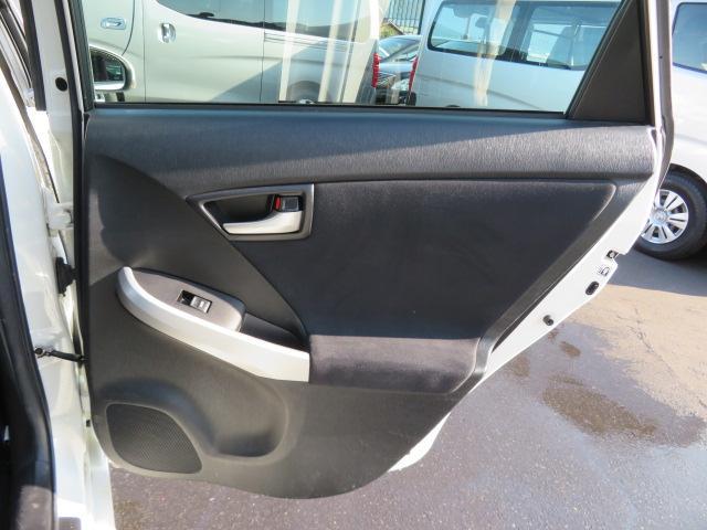 S 8インチHDDナビ Bluetooth バックカメラ ETC スマートキー PUSHスタート エコモード PWRモード アイドリングストップ シートヒーター サイドエアバッグ HID 純正15AW(32枚目)