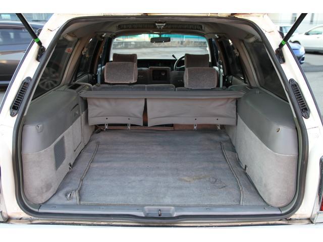 サードシートは格納可能♪実用性もバッチリです♪