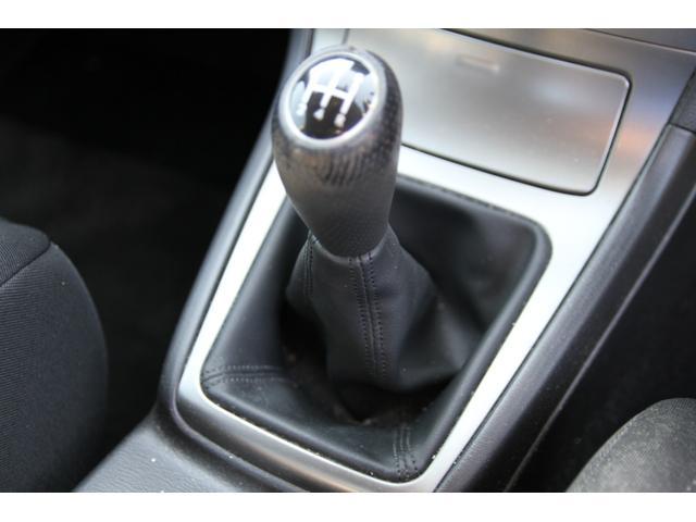 6速マニュアルシフト♪エンジンのフィーリングをより感じながら操作が出来るマニュアル車は面白い♪