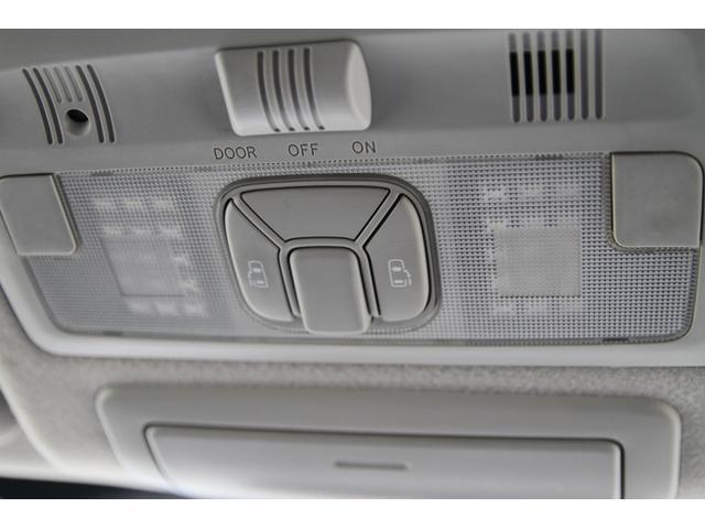 アエラス HDDナビTV後席モニター 両側自動ドア 7人乗り(7枚目)