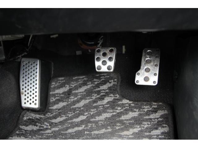 Sエディション シーケンシャルMT/走行23,000km/車高調/社外マフラーTRIAL チタンマフラー/OZレーシング18インチアルミ/ケンウッドスピーカー/キーレス/ETC/CD/MD/(4枚目)