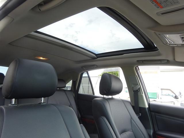 AIRS 4WD 黒革 大型サンルーフ 純正フルエアロ 純正ナビ 6連奏CD フロント・サイド・バックカメラ シートヒータ- エアサス ウッドコンビハンドル 電動テールゲート 純正18アルミ HID キーレス(3枚目)