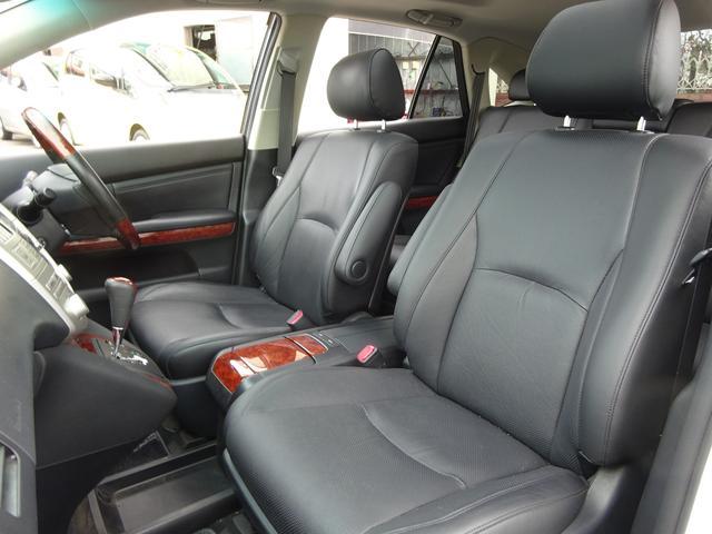 AIRS 4WD 黒革 大型サンルーフ 純正フルエアロ 純正ナビ 6連奏CD フロント・サイド・バックカメラ シートヒータ- エアサス ウッドコンビハンドル 電動テールゲート 純正18アルミ HID キーレス(25枚目)