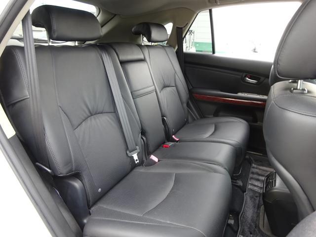 AIRS 4WD 黒革 大型サンルーフ 純正フルエアロ 純正ナビ 6連奏CD フロント・サイド・バックカメラ シートヒータ- エアサス ウッドコンビハンドル 電動テールゲート 純正18アルミ HID キーレス(28枚目)