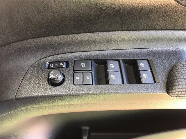 ファンベースG 修復歴なし 後期型 禁煙車 純正SDナビ 自動衝突被害軽減ブレーキ 両側自動ドア 全周囲モニター レーンキープ 障害物センサー 純正ドラレコ スマートキー プッシュスタート ブルートゥース USB入力(38枚目)