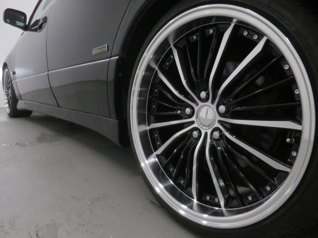 新品ブラックイカリングHIDヘッドライト・新品フルエアロ・TEIN車高調・新品19インチAW・新品タイヤ・リアスポイラー付きでエクステリアもドレスアップ済!キマってます!!